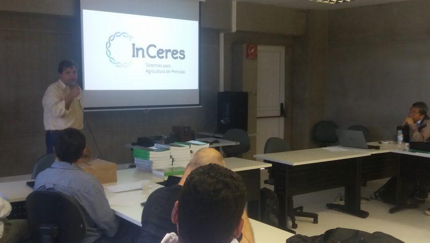 O diretor comercial da InCeres, Plínio Negrão, durante apresentação da empresa aos participantes do evento.